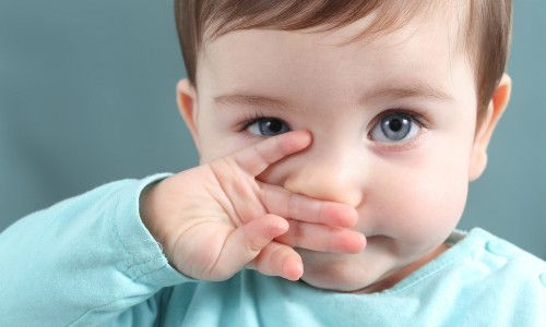 Чому у дитини закладений ніс, але немає соплів?